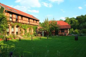 Wohnhaus Vermieter und Saunahaus
